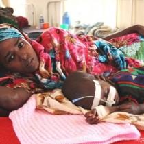 Des infirmières décrivent les effets de la faim sur les enfants
